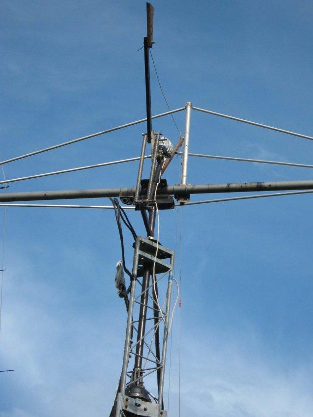 RK3FG Противовес и пружинный компенсатор смещения центра тяжести антенны работают IMG_0069.jpg